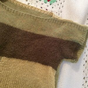 Vintage Sweaters - Hand Knit Cropped Olive Color Block Sweater